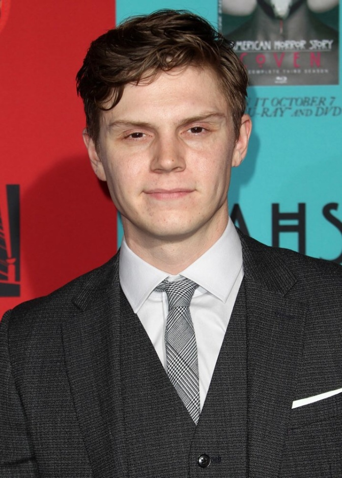 Evan Peters Joins 'AHS: Hotel'